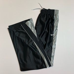 Nike black boy pants size XL